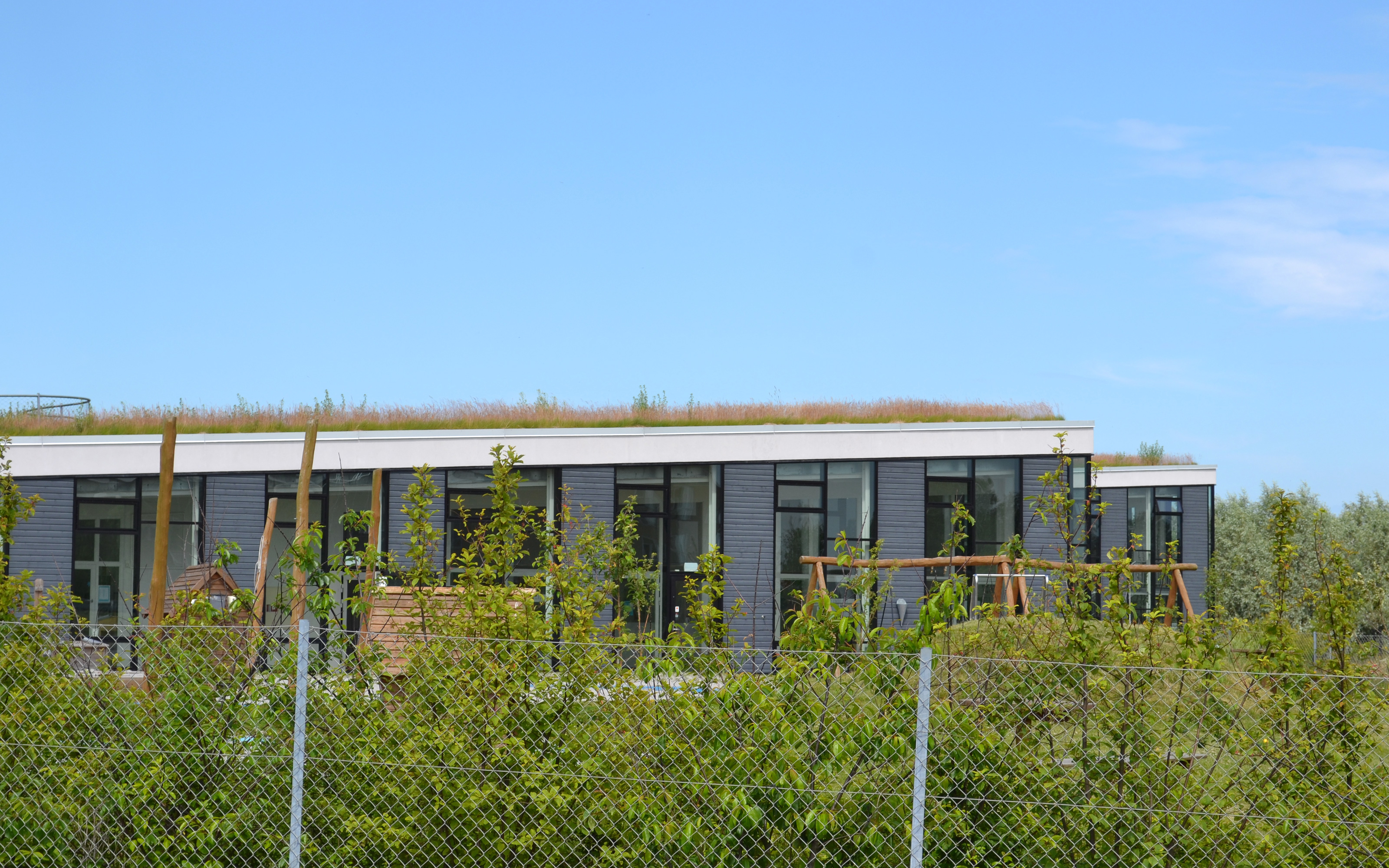 Day Care Centre Elf Hill Holb 230 K Zinco Green Roof Systems