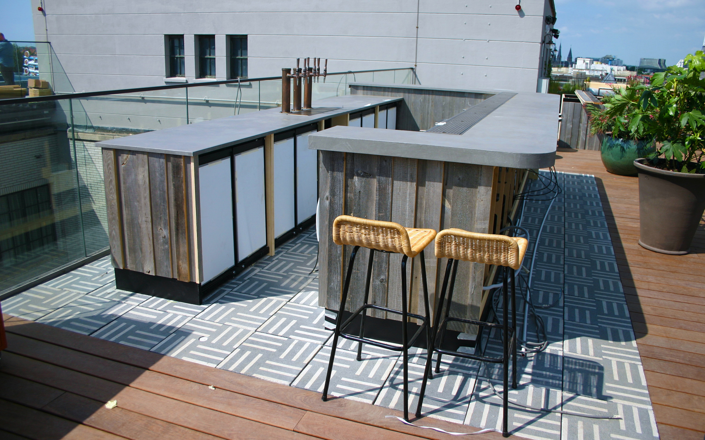 Roof garden with a bar