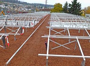 Solar Base Frames e substrato em um telhado