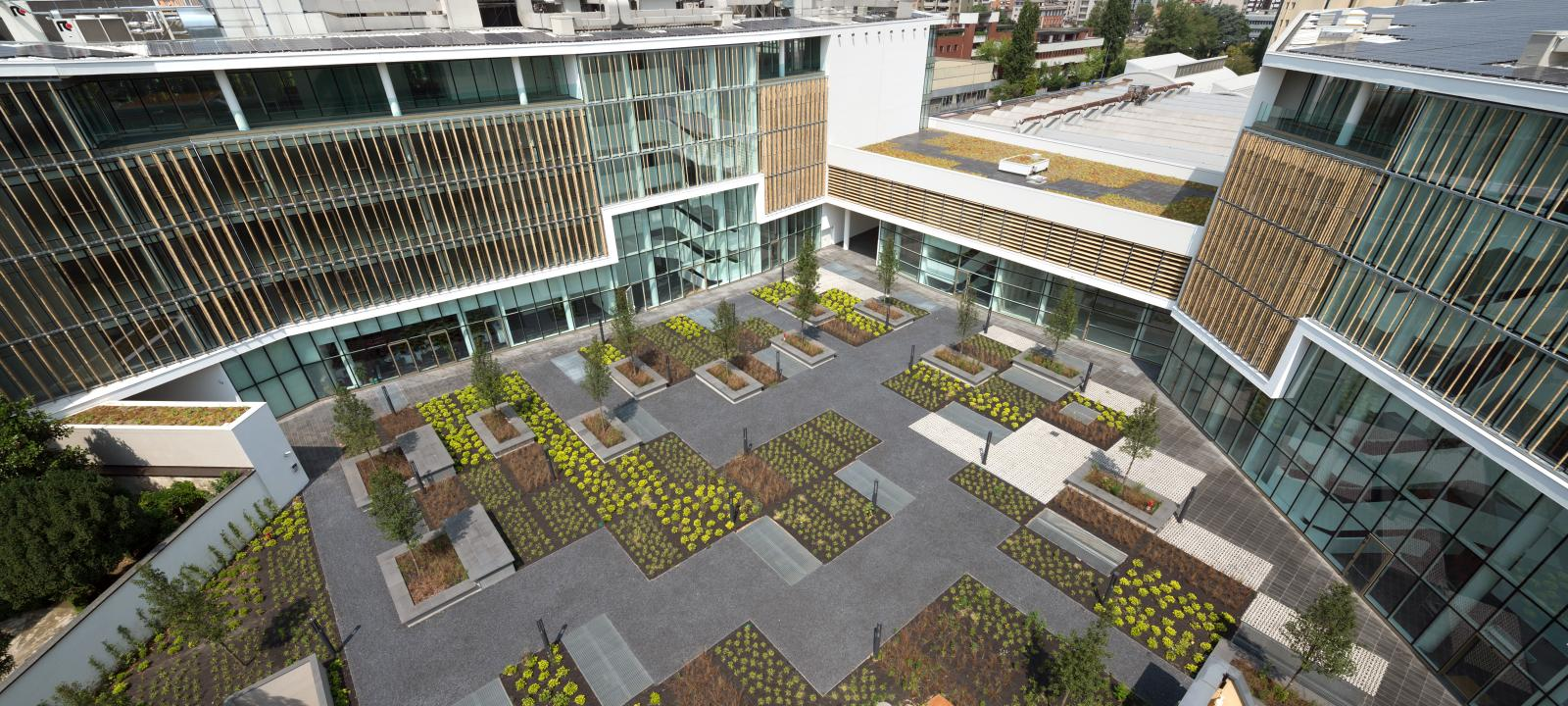 Green Place Office Building Milano Zinco Green Roof Systems