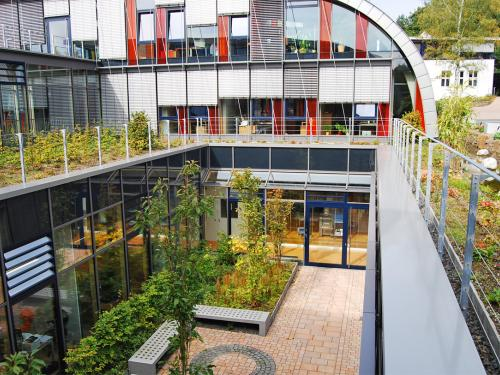 Roof garden and green courtyard & The latest press releases | ZinCo Green Roof Systems