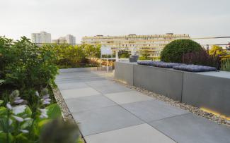 Roof garden with walkways and sitting walls